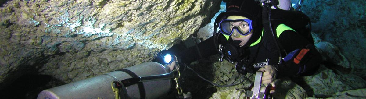 mexico stage cave diving